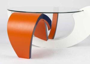 tafel met krul ontwerp